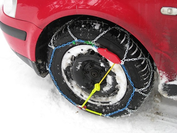 Autós hóláncok a gumikon